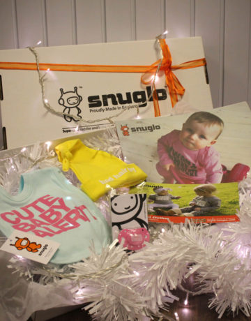 Snuglo™ Bib, Hat and Soother, Cool Baby Gift Box